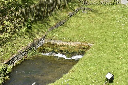 Ruisseau s'engouffrant sous terre