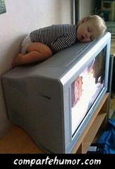 Nios (Comparte Humor) Tags: compartehumor humor playstore imagenes risas graciosas nios pequeno pequenos pequena pequenas nina ninas dormir dormido dormidos durmiendo tele teles television televisiones bebe bebes tv