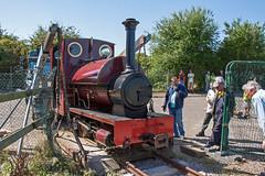 17 (Hampton & Kempton Waterworks Railway.) Tags: darent arrives loop