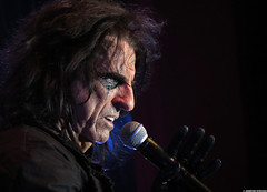 20120808_30 Alice Cooper at Liseberg | Gothenburg, Sweden (ratexla) Tags: show life people musician music man men guy celebrity rock musicians gteborg person concert europe artist tour rockstar sweden earth live famous gothenburg gig performance guys dude entertainment human liseberg artists rockroll horror shock celebrities sverige celebs rocknroll musik dudes scandinavia celeb humans scandinavian konsert 2012 alicecooper goteborg tellus homosapiens organism storascenen photophotospicturepicturesimageimagesfotofotonbildbilder notintheeternityset canonpowershotsx40hs 8aug2012