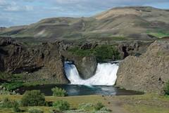 Hjalparfoss (Islande) (PierreG_09) Tags: iceland islandia rivière cascade chute islande coursdeau fossá hjalparfoss 6411611119851111