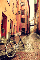 A Rainy Day in Gamla Stan (どこでもいっしょ) Tags: europe sweden stockholm sony balticsea medieval gamlastan scandinavia oldtown northerneurope thegreatsquare sonyhx30v