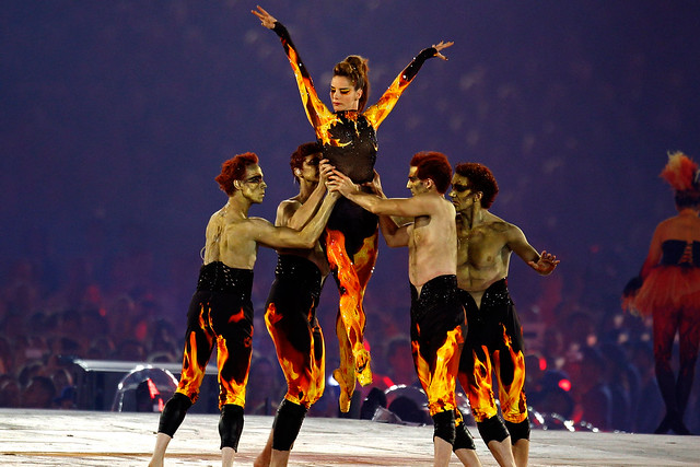 Darcey Bussell and Royal Ballet Principals at the London 2012 closing ceremony © Reuters/Gary Hershorn