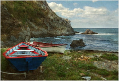 Descansando en Gueira (Geli-L) Tags: textura playa cudillero acantilado lancha playadelsilencio mygearandme mygearandmepremium mygearandmebronze playadegueira
