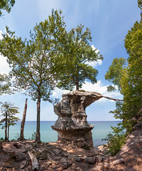 Chapel (Rudy Malmquist) Tags: park trees lake beach nature rock rocks michigan pictured lac superior chapel tracy erosion formation national lakeshore effect munising cambrian brenizer gichigami gitche gumee prnl