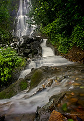 Amboli Ghat Waterfall (paramantapa) Tags: travel india green waterfall monsoon slowshutter maharashtra sahyadri foggyweather nd8 amboli westernghat paramantapa sonynex5 sel16f28 ambolihillstation ambolidhabdhaba