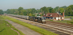 INER_Montpelier-OH_Yard_NS9209_082412-2 (C Telles) Tags: railroad ohio station yard train indian norfolk southern locomotive ge montpelier northeastern emd gp30 c409w ns9209 ns9373 iner2330