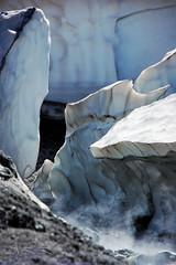Formas en el hielo. (-Ana Lía-) Tags: water argentina agua flickr vida formas montaña neuquén fotografía volcán copahue sulfuro glaciarcolgante aprehendiz rememberthatmomentlevel1