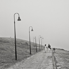 Boira d'estiu (niebla de verano) (Pep Vargas) Tags: bw fog bn gijon niebla xixon boira