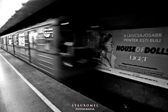 Destino Final (Stauromel) Tags: budapest hungria metro bn black stauromel alquimia digital street canon