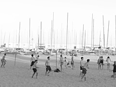sitges 2016 (gerben more) Tags: beachvolleybal beach shirtless people youngmen men mast boats sand blackwhite monochrome spain sitges