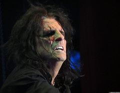 20120808_26 Alice Cooper at Liseberg | Gothenburg, Sweden (ratexla) Tags: show life people musician music man men guy celebrity rock musicians gteborg person concert europe artist tour rockstar sweden earth live famous gothenburg gig performance guys dude entertainment human liseberg artists rockroll horror shock celebrities sverige celebs rocknroll musik dudes scandinavia celeb humans scandinavian konsert 2012 alicecooper goteborg tellus homosapiens organism storascenen photophotospicturepicturesimageimagesfotofotonbildbilder notintheeternityset canonpowershotsx40hs 8aug2012