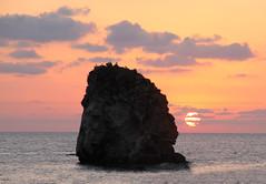 Lo scoglio della Regina (Alessandra Leonetti) Tags: italia tramonto nuvole mare calabria scoglio diamondclassphotographer flickrdiamond alessandraleonetti
