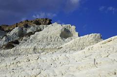 Scala dei Turchi (Gian.Vito) Tags: blue sea people italy beach port landscape mediterranean view pentax sicily agrigento k5 realmonte