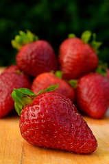 Fresh (Casey Weinstein) Tags: sunset food macro art closeup fruit studio nikon strawberries breadth naturalstilllife apphotography d5100