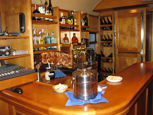 El Transcantabrico Clasico, luxury train in northern Spain, bar