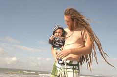DSC01404 (MelouCake) Tags: sea baby dreadlocks dad