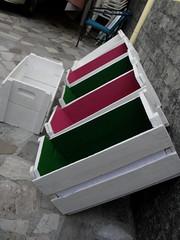 SL ARTES ATELIER - RJRJ 011 (SL Artes Atelier (RJ/RJ) - http://www.facebook.com) Tags: de rj no artesanato feira vitrines caixotes caixotesdefeira caixotespintados caixotescrús caixotescompátinas caixotesparaestantes caixotesparasapateiras