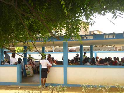 """Abidjan-centre de vaccinations -mars2005 • <a style=""""font-size:0.8em;"""" href=""""http://www.flickr.com/photos/60886266@N02/7975755068/"""" target=""""_blank"""">View on Flickr</a>"""