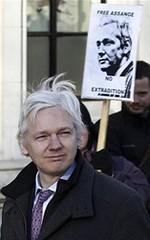 Assange, la estrella ausente de Toronto (todogaceta.com) Tags: en toronto festival underground de se la los el cine read more  fin estrella semana sobre ausente pasado pelcula inicios present canadiense wikileaks assange