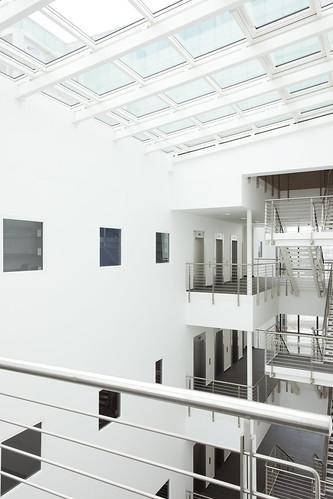 Laboratory Medicine Building by BMJ Architects