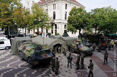 1209181115-1738 (Guillaume Fulchiron) Tags: city urban france training soldier army fight war downtown headquarters combat rue guerre ville centreville mairie soldat valence urbain qg drme spahis