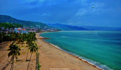 "MJ : ""lets walk into town"" (Rex Montalban Photography) Tags: mexico puertovallarta hdr nationalgeographic hss nikond7000 rexmontalbanphotography sliderssunday"