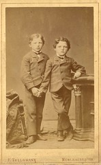 Brothers by Franz Tellgmann (c.1880) (pellethepoet) Tags: portrait boys kids children europe brothers siblings photograph cdv cartedevisite mühlhausen jungs brüder knaben tellgmann franztellgmann ftellgmann