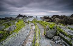 Barrika (Carlos J. Teruel) Tags: mar tokina cielo nubes rocas lightroom marinas d300 lr4 xaviersam bigstopper singhraydarylbensonnd3revgrad onlyraw leebigstopper carlosjteruel polarizadorlee105