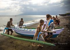 Teamwork to Pull the Boat in (hazy jenius) Tags: travel indonesia boat asia sailing adventure tropical hayes hazy kampung bugis sumbawa jenius wera seatrek ombakputih jenniferhayes