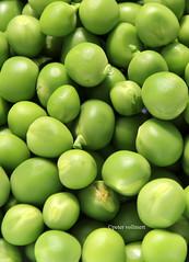 12-IMG_3375 (hemingwayfoto) Tags: ackerbau biologisch erbse frisch geffnet gemse grn hlsenfrucht landwirtschaft lebensmittel markt nahrung nahrungsmittel natur pflanzen pflanzlich produkt roh ss vegetarisch