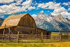Moulton Barn and Grand Teton (Hongyu Guo) Tags: blue sky cloud landscape grandteton mormonrow moultonbarn
