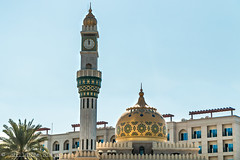 Mosque Asma Bint Alawi (Darth Jipsu) Tags: muscat oman om mosque islam coran