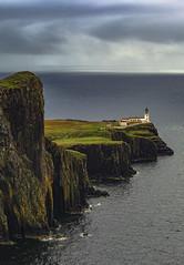 Neist Point (Enric.) Tags: neistpoint scotland lighthouse faro acantilado escocia
