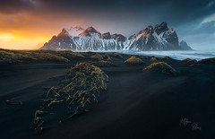 Lumire de fin d'ouragan  Stokksnes (Mathieu Rivrin - Photographies) Tags: islande iceland hofn stokksnes paysage nature nikon rivrin d800 stor storm hurricane ouragan tempete sea ocean mer sunset coucher soleil