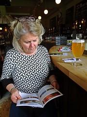 Hefeweizen (Bricheno) Tags: scotland escocia schottland cosse hefeweisbier scozia esccia szkocja scoia    bricheno brewery wife blonde beer pint german west glasgow milf