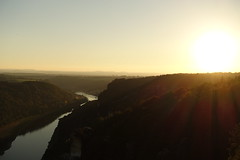 Sonnenuntergang von der Bastei (Th.He) Tags: sonnenuntergang bastei schsischeschweiz sunset elbe river fluss sony sonyphotographing dscrx100m3 dscrx100 badschandau rathen dresden berge gebirge mountain mountains nebel dunst sommer summer 2016 36grad