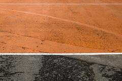 (Vctor Mndez (VM FotoVisual)) Tags: vmfotovisual vmfotovisualstreet vmfotovisualminimal streetphotography fotografacallejera minimal streetminimal lneas blanco negro naranja lines black white orange fujifilmx30