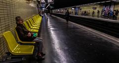 2016-09-22  Yellow Submarine (The Beatles) (Robert - Photo du Jour) Tags: septembre 2016 aufildutemps yellowsubmarine thebeatles rer jaune mtro souterrain qui ligne lignedefuite noir