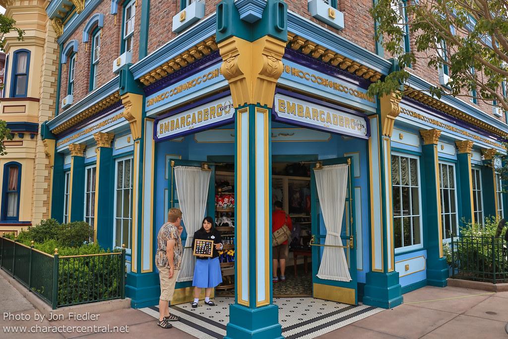 Embarcadero Gifts at Disney Character Central
