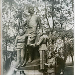 Uniformed men and Gunnar Wennerberg statue, Uppsala thumbnail
