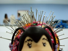 Joaninha (Porco-espinho) (Amanda de Souza Albuquerque) Tags: pins class pillow ladybug almofada aula joaninha alfinetes