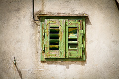 Little Green Window (Daria Angeli) Tags: wood summer urban house green window wall architecture croatia august shutters split 2012 spalato beautifulphoto flickrunitedaward