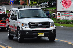 Montvale Fire Department Chief M10 (Triborough) Tags: ny newyork ford expedition chief firetruck fireengine m10 firechief stonypoint rocklandcounty mfd chiefscar montvalefiredepartment