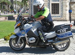 Izmir. Police motorcyclist. (wonky knee) Tags: turkey police izmir polis victoryday policemotorcyclist oyotoltrafikpolisi