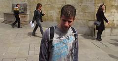 Universos Paralelos (Landahlauts) Tags: street calle andaluca stranger andalucia granada andalusia andalusien andalousie desconocido andalusie andaluz extrao andaluzia robado    andaluzja granviadecolon  robandoalmas stealingsouls andaluzio                    andalouzia andalusiya