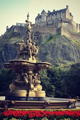 Scotland - Edinburgh Castle ( Jamie Mitchell) Tags: castle alex 22 march scotland edinburgh yes flag politics rally scottish september independent independence scots 2012 saltire salmond dilosep12