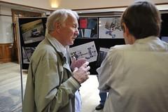 Jim Randle (L) and Paul Skilleter (R) discussing suspension design (Pim Stouten) Tags: dunkeld jag jaguar xj xj40