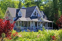Summer cottage (Wonder Woman !) Tags: cottage bayview petoskey michigan usa summer house frontporch