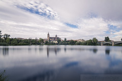 Cielo y agua (David Fotografa) Tags: nd400 river ro cielo sky nubes longexposure day agua water cityscape catedral cathedral ciudad worldphotoday2016 salamanca spain tokina1116 canon70d
